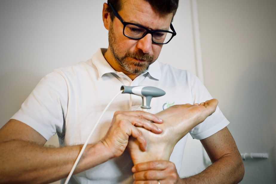 Trattamento di Tecarterapia Human Tecar per recupero da distorsione della cavigllia